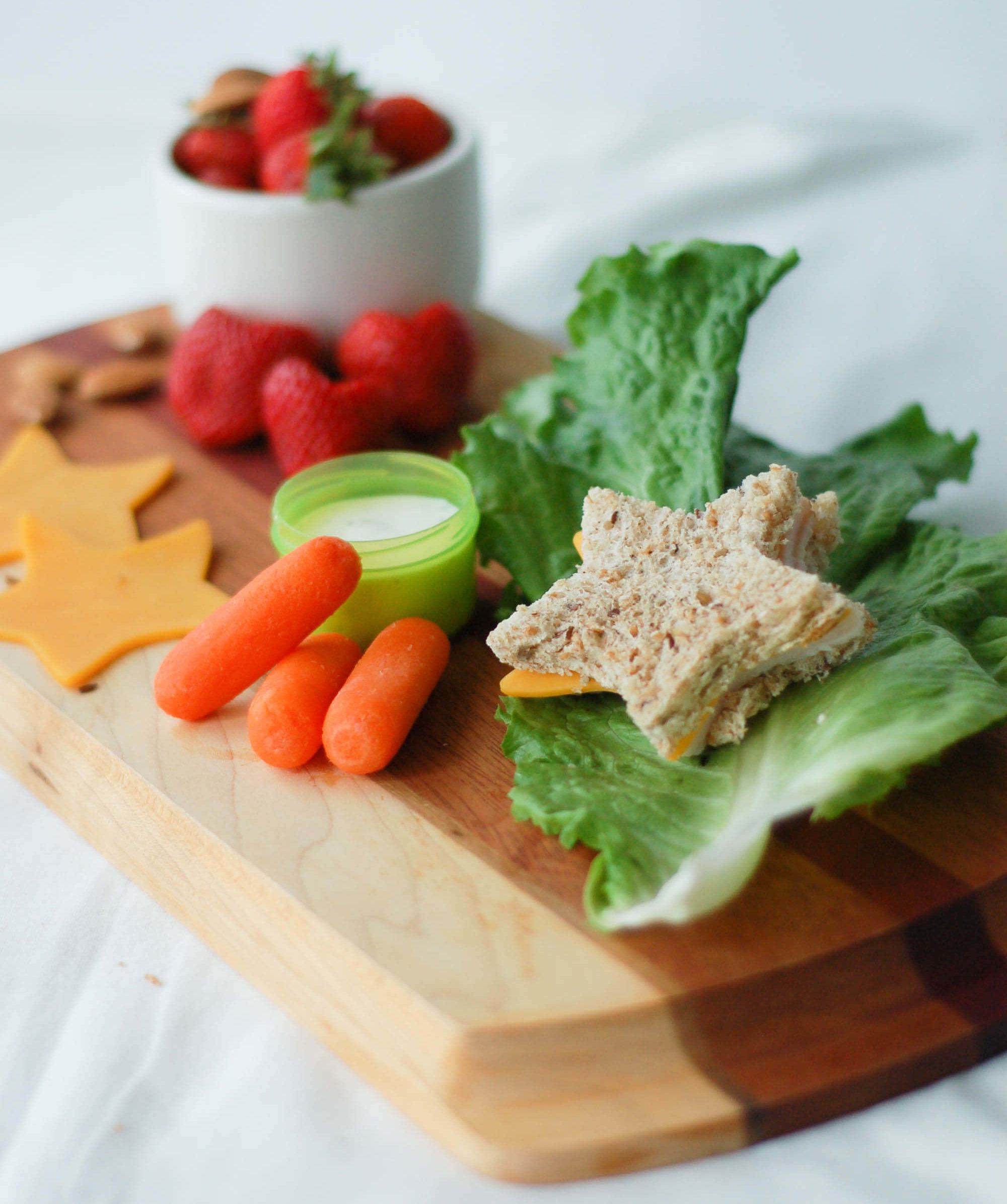 Healthy lunch ideas for packing school lunch box via createkidsclub.com