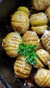 close up of hasselback potatoes