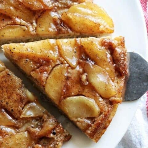 apple pancake cut into slices