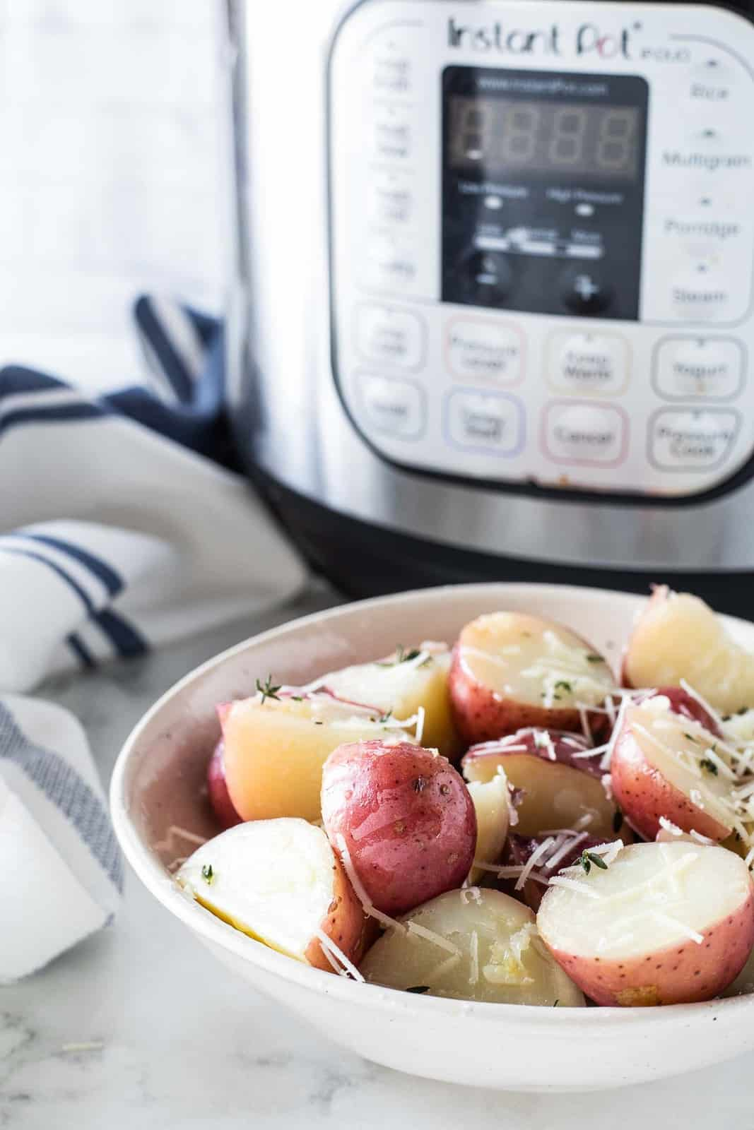 Instant pot red potatoes in a serving bowl.