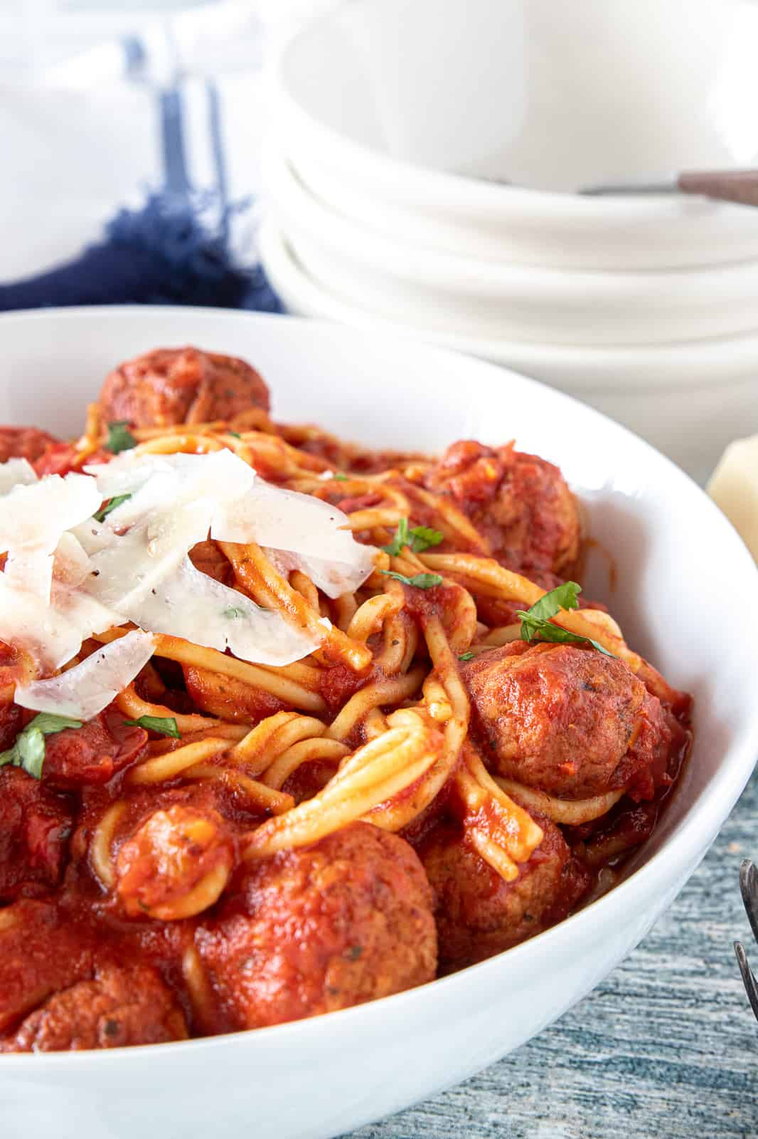 instant pot spaghetti in a serving bowl.