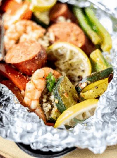 foil pack with cajun shrimp and vegetables
