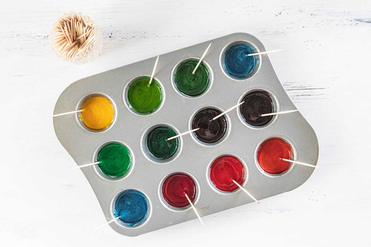 paint colors in a muffin tin
