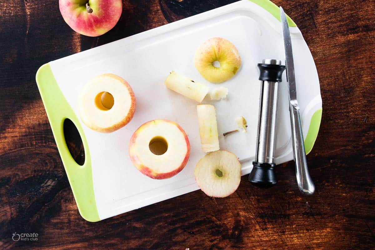 apples with the cores removed from corer